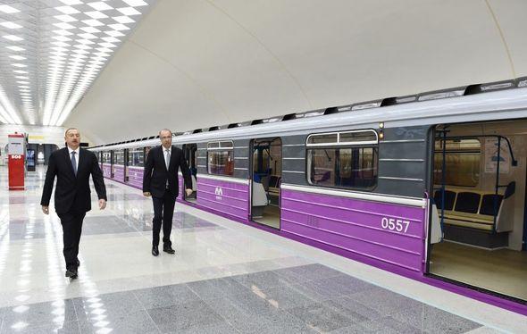 в метро баку фото