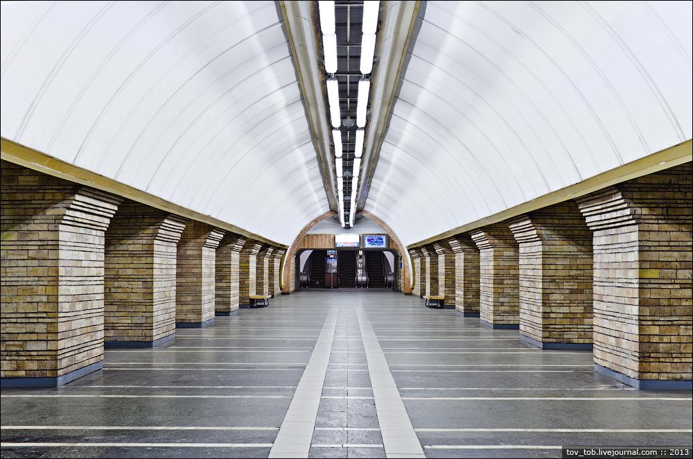 Зіркова франківчанка Ірма Вітовська закликає підтримати петицію про перейменування однієї із столичних станцій метро