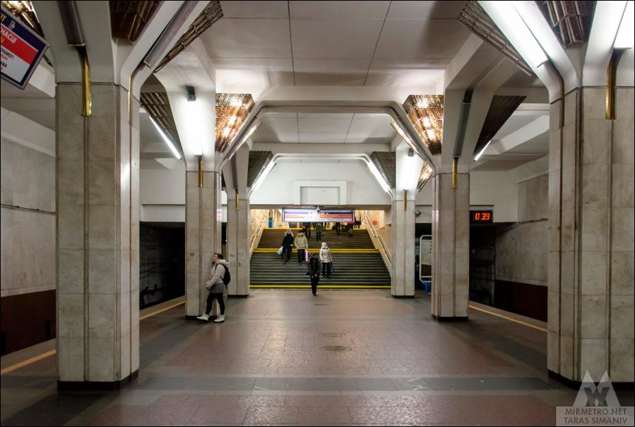 станция метро площадь победы минск