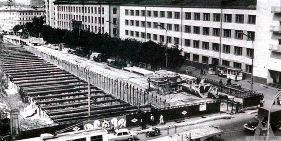 станция академия наук строительство